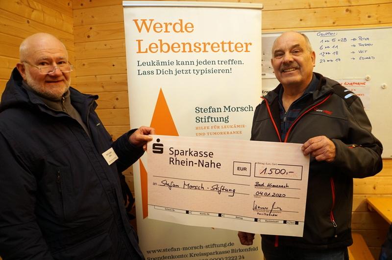 Unser Vorsitzender Werner Rieber überreicht Spende an die Stefan Morsch-Stiftung